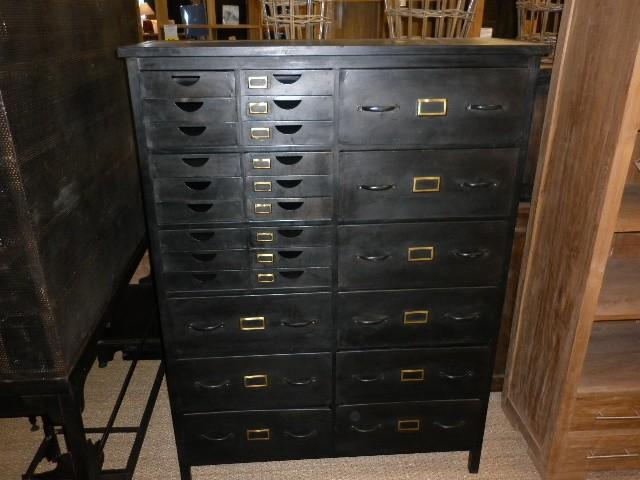 Armoires la maison du teck meuble et d co en teck for Meuble cabinet industriel