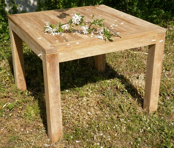 Tables de jardin la maison du teck meuble et d co en teck for Table de jardin carre