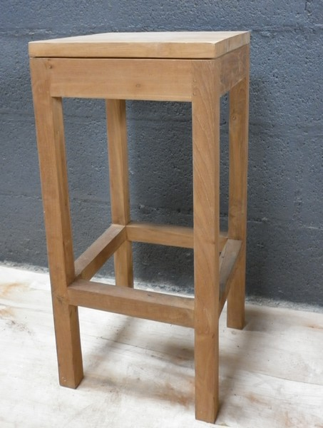 Bar En Bois Brut : Tabouret De Bar a Show Room Paris